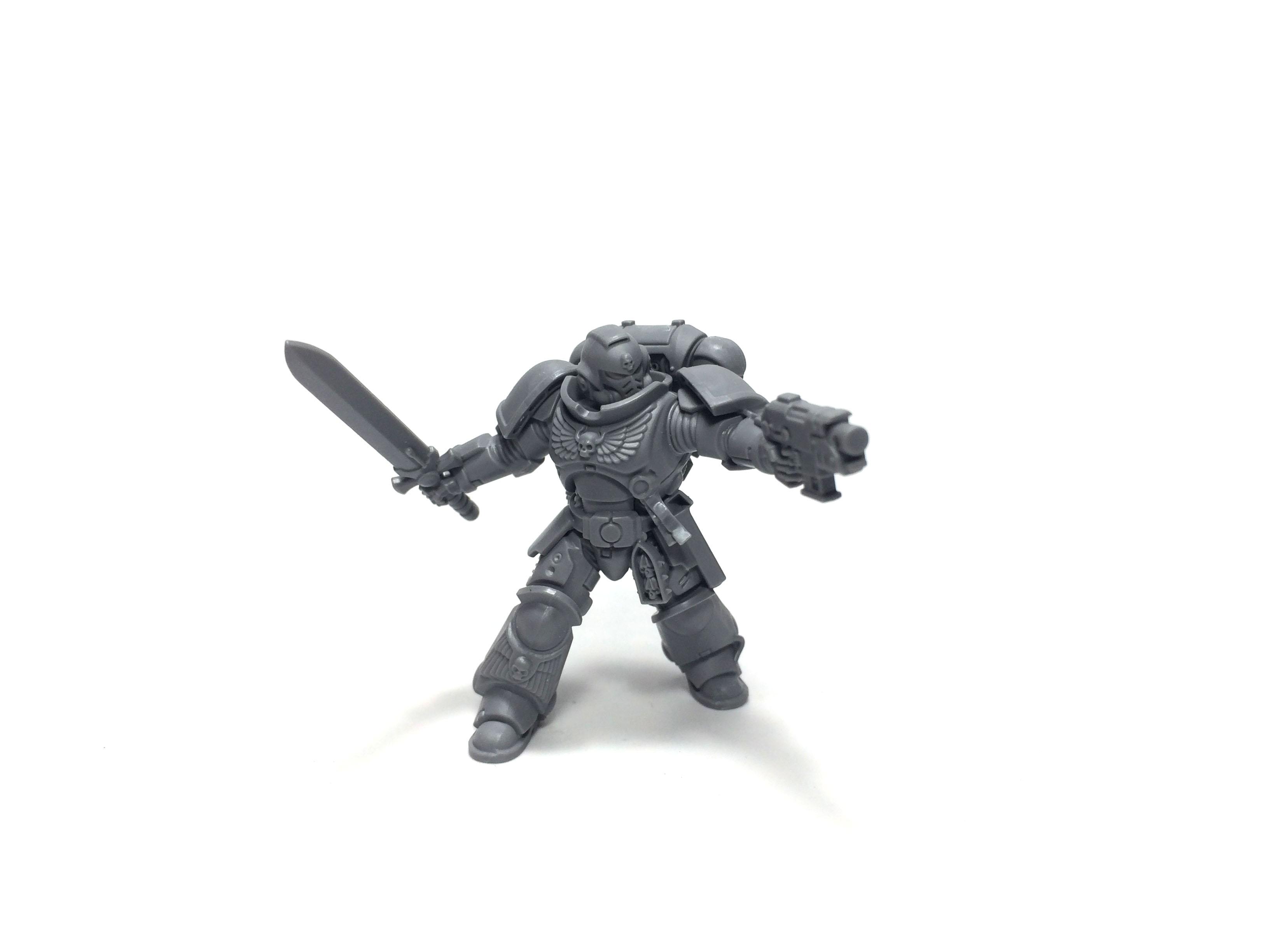 Primaris-Lieutenant-with-power-sword